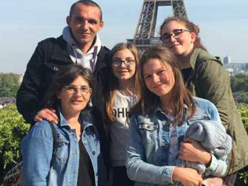France student with host family