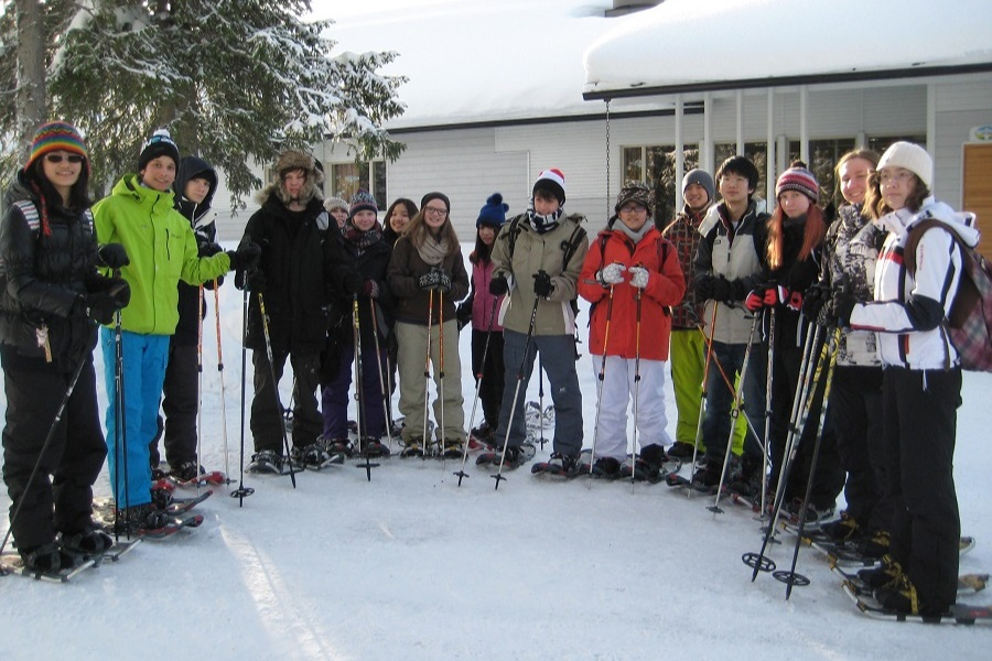 Finland exchange students skiing