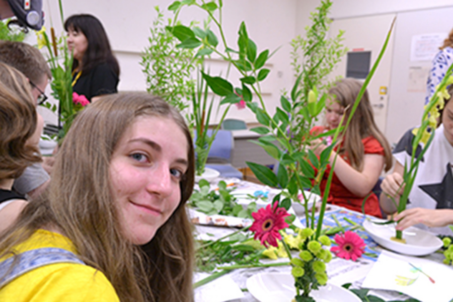 Japan language travel student flower arranging